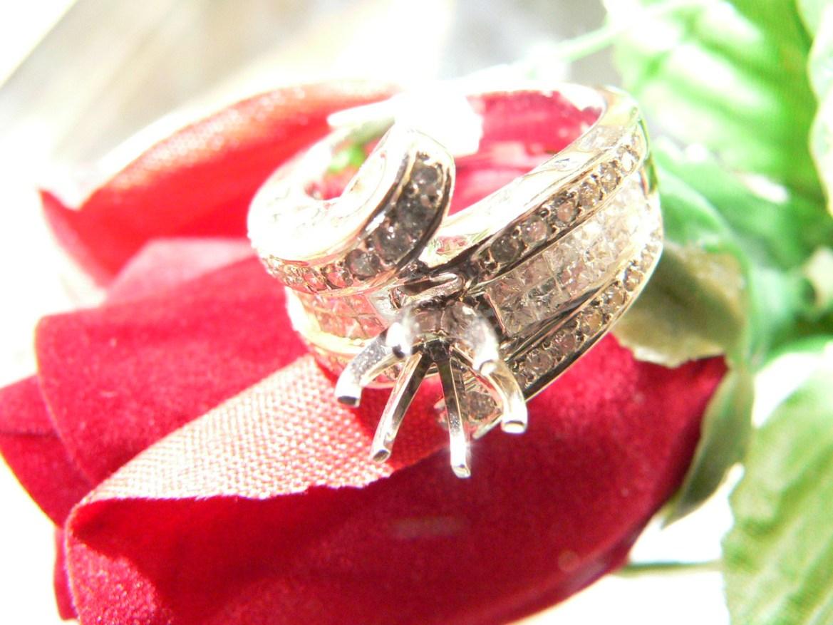 setting-diamonds-wedding-#weddingring