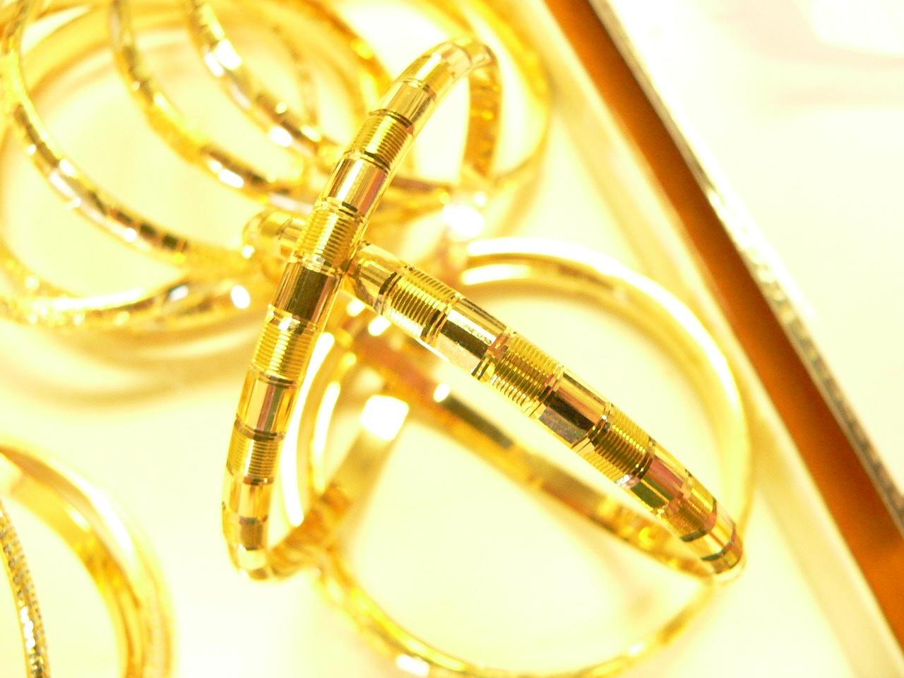 21kt gold bangle set