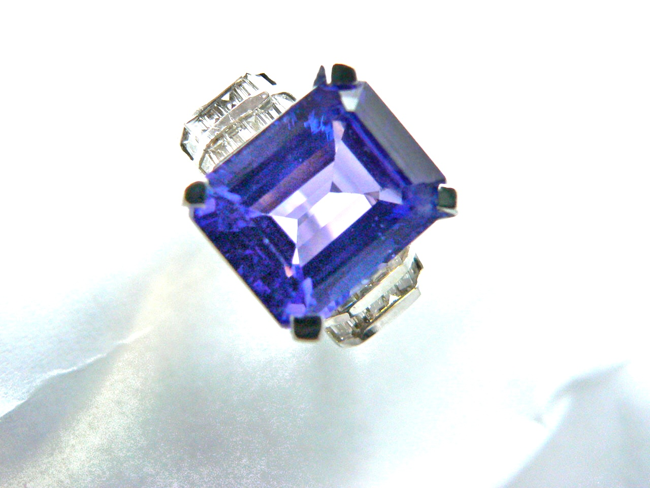 8.25ct Tanzanite Center Stone
