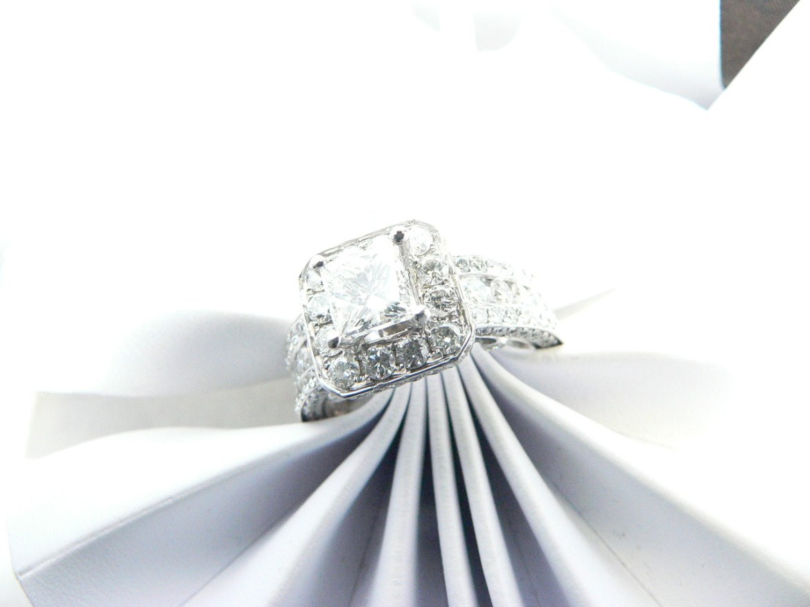 Diamond engagement rings Michigan