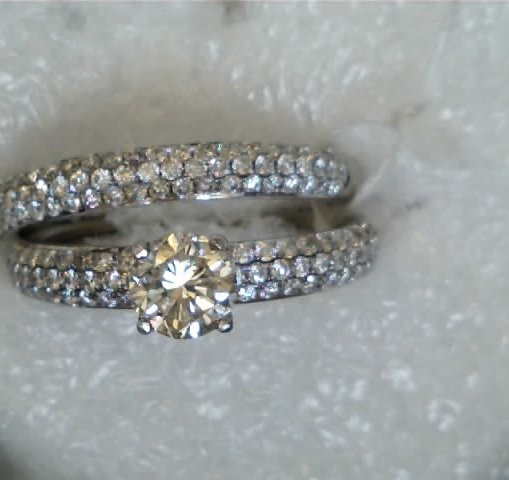 petite style engagement ring