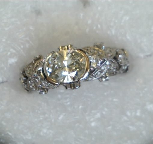 Oval diamond center stone