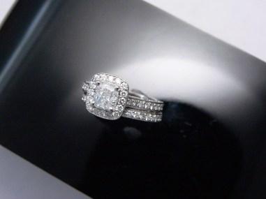 Cushion diamond center stone