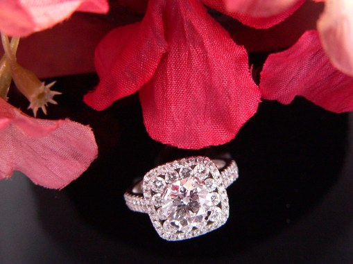 round diamond center stone