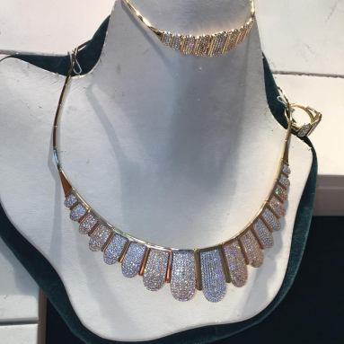 18 karat gold sets N.J. Diamonds