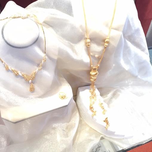 21 karat gold sets