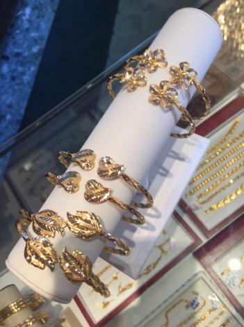 21kt gold bracelets doubles